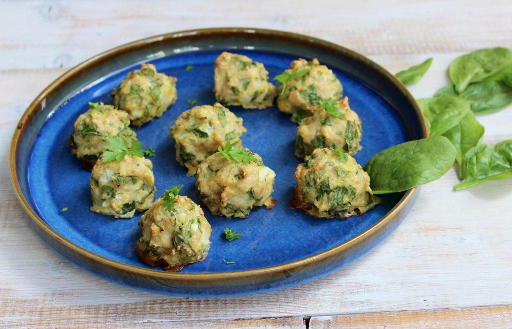 Kyllingedeller med hytteost og spinat