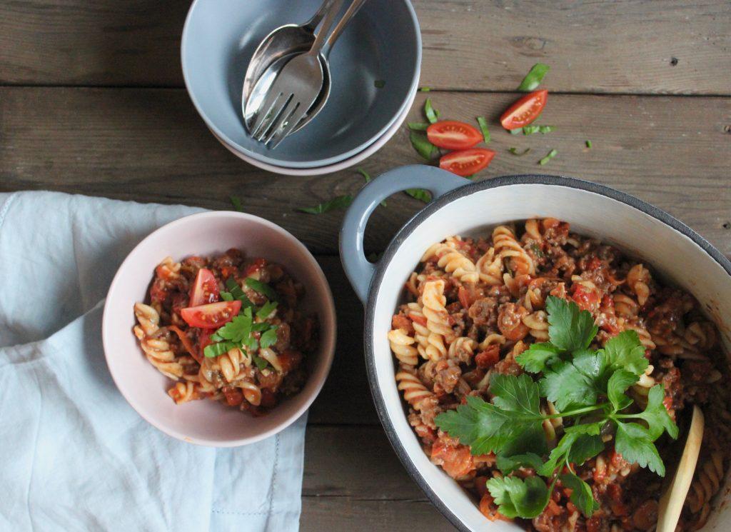 One pot pasta med oksekød og chorizo