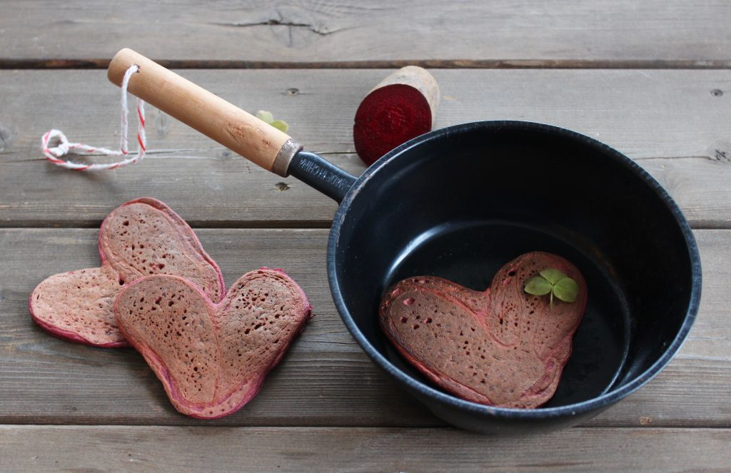Pandekager med rødbeder