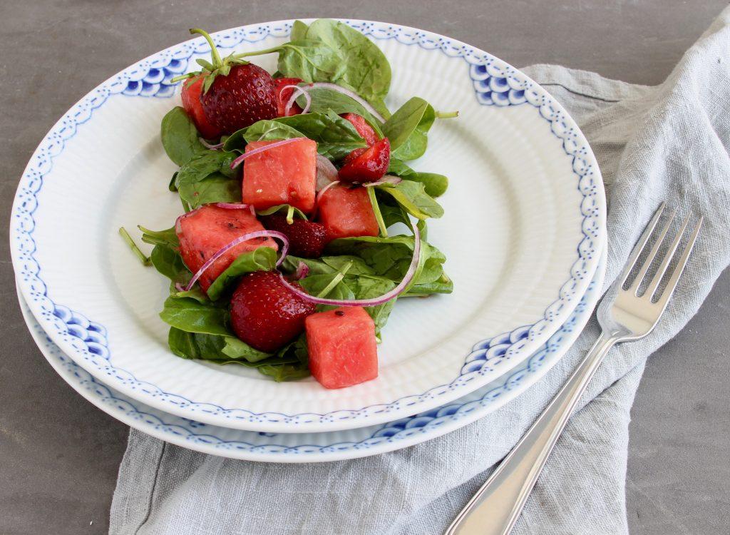 Spinatsalat med jordbær og vandmelon
