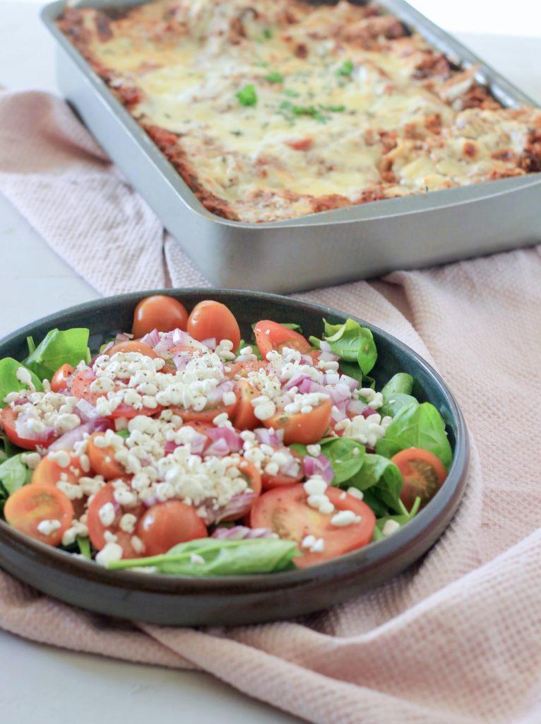 Lasagne tilbehør tomatsalat