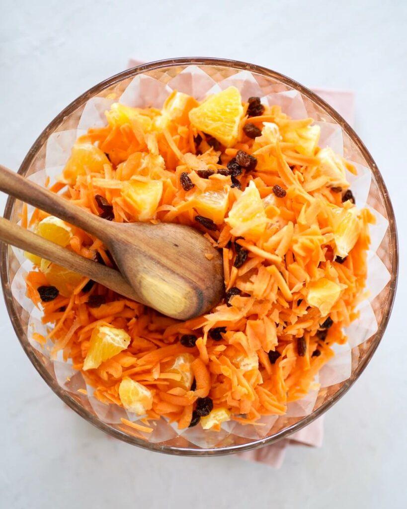 Gulerodssalat appelsin rosiner